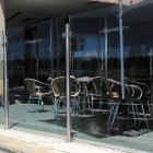 Cafe Screens by Aluline Australia